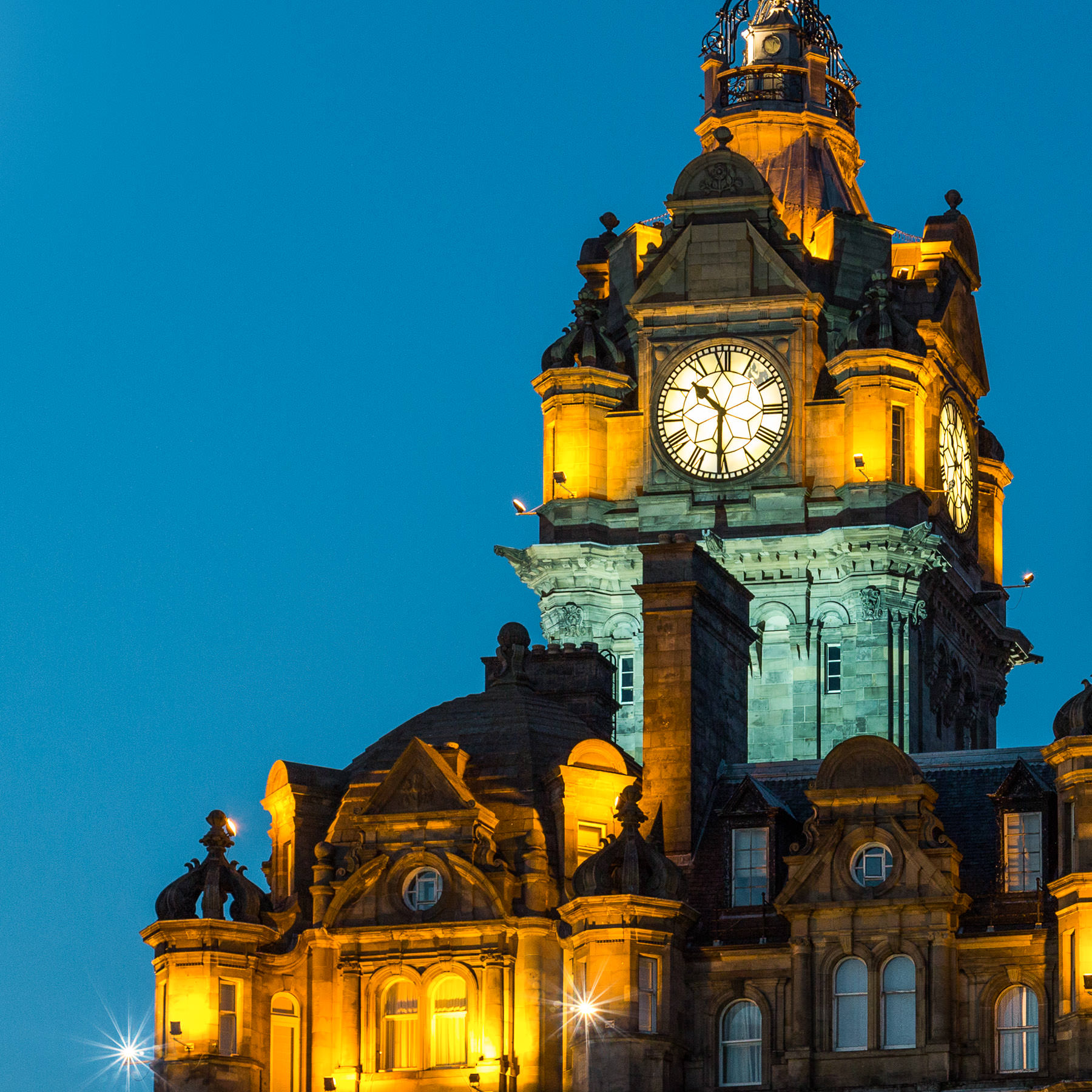 Edinburgh am Abend